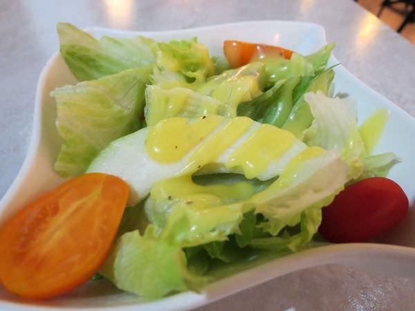 排排饌@三多店, 餐點, 日耳曼德國豬腳拼盤, 時蔬沙拉