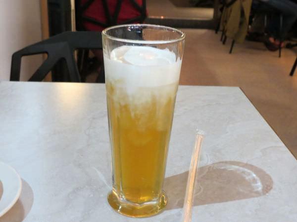 排排饌@三多店, 餐點, 日耳曼德國豬腳拼盤, 乳霜奶蓋綠茶