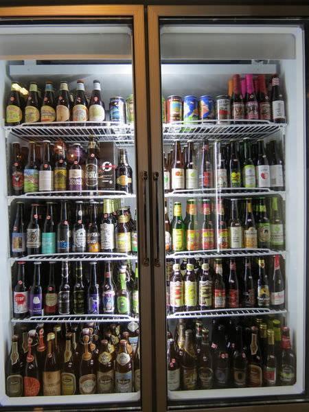 ABV Bar & Kitchen 加勒比海料理.精釀啤酒, 餐點, 啤酒櫃