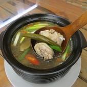 原味山產美食, 餐點, 剝皮辣椒雞湯鍋