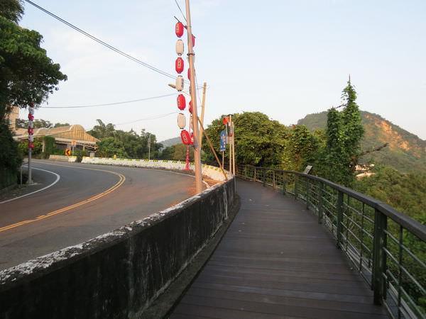 關子嶺, 人行道