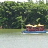 台糖尖山埤江南渡假村, 公共設施, 遊湖畫舫