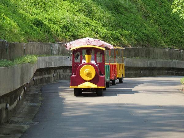 台糖尖山埤江南渡假村, 公共設施, 遊園小火車