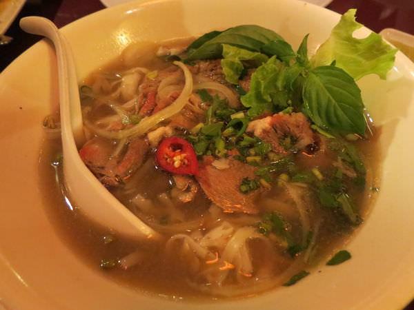 銘記越南美食, 餐點, 牛肉河粉