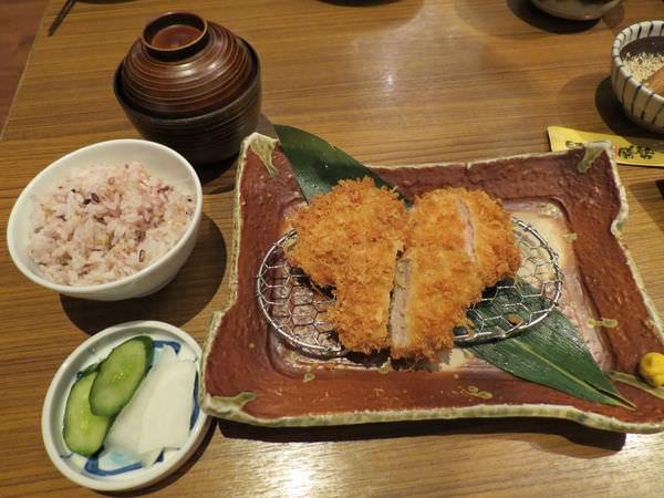 伊勢路-勝勢日式豬排@微風松高店, 餐點, 腰內豬排套餐
