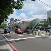 新光三越百貨@台中中港店, 台中BRT 新光/遠百站