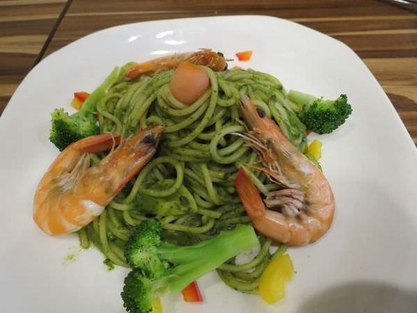 幸福2號咖啡館, 餐點, 蒜味鮮蝦佐青醬義大利麵