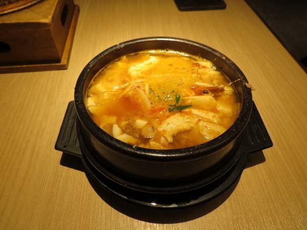 豆腐村@南港店, 餐點, 海陸豆腐鍋