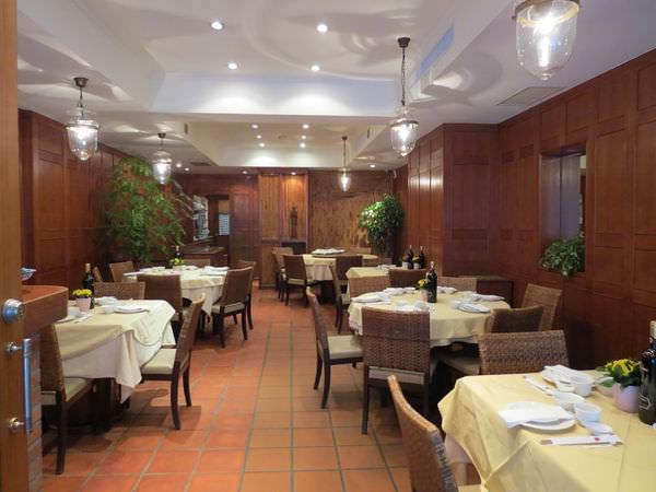 湄河餐廳, 用餐環境, 1F