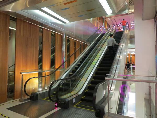 板橋秀泰影城, 3F, 手扶梯