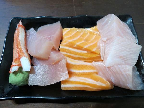 三味食堂, 生魚片