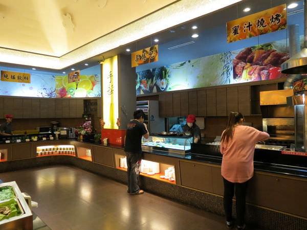 鮮友火鍋(新莊店), 燒烤.壽司吧.水果吧.現搖飲料