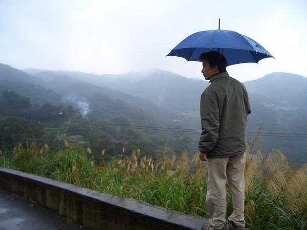 """內湖採草莓 12-想要拍""""飛在風中的小雨""""的感覺,失敗!"""