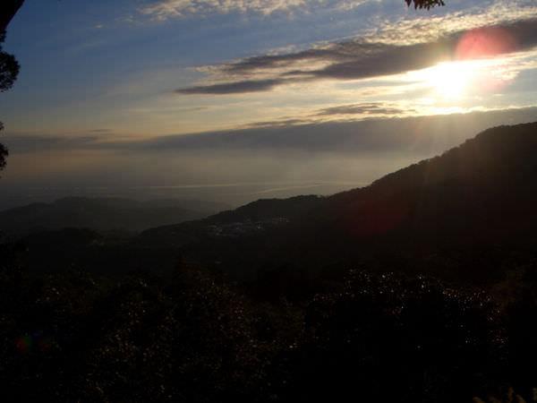 陽明山竹子湖 15-梯田處附近拍攝,很美的雲
