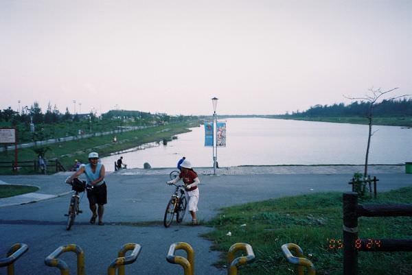 2005年環島, day5, 台東市中華大橋下的人工湖