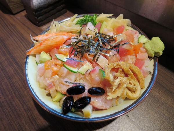津屋台日式料理, 招牌五色丼