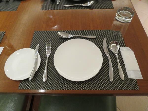 新帆船澳門葡國餐廳, 餐具