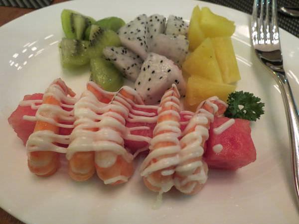 新帆船澳門葡國餐廳, 餐點, 鮮果蝦沙律