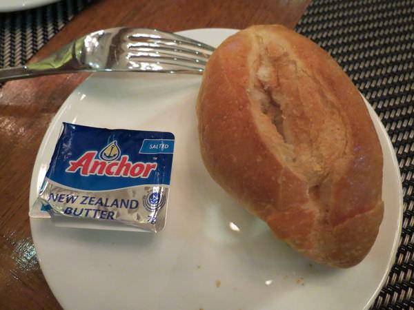 新帆船澳門葡國餐廳, 餐點, 麵包