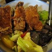東道飲食亭, 香酥雞腿飯