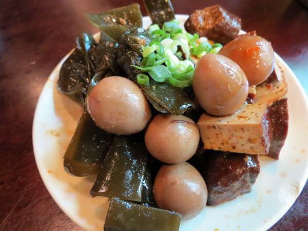文化城牛肉麵, 小菜(圓盤)