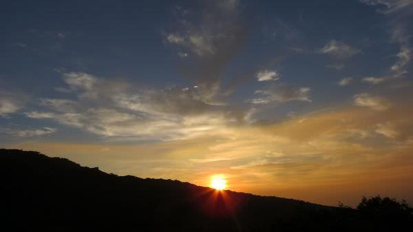 五指山日出