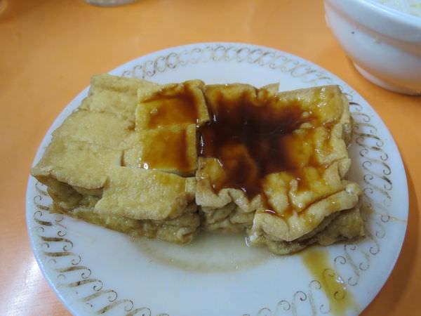 東門市場, 黃媽媽米粉湯, 油豆腐