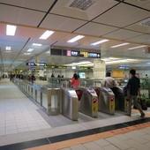 台北捷運, 紅線, 信義線, 東門站, 大廳層
