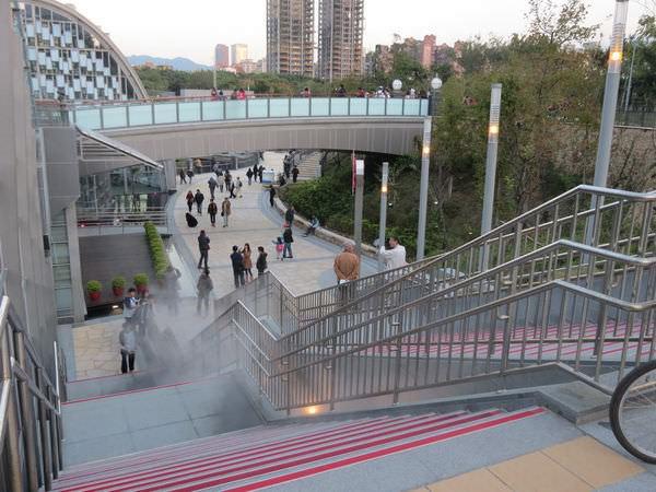 台北捷運, 紅線, 信義線, 大安森林公園站, 2號出口