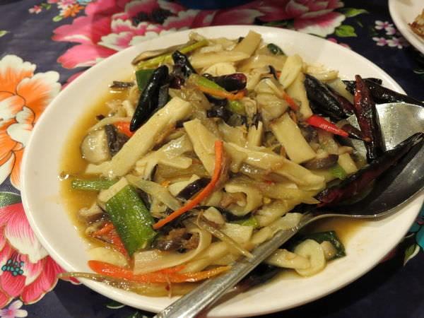 陜西秦味館, 坑頭菜炒饃