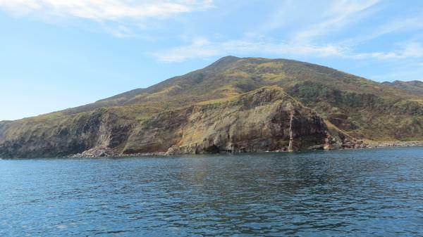 龜山島之旅, 龜山八景, 龜岩巉壁