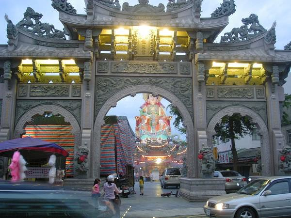 2005年環島, day1, 竹南后厝龍鳳宮中元普渡