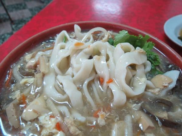 南港山東水餃, 餐點, 酸辣麵