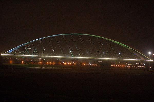 麥帥二橋,基隆河右岸腳踏車道