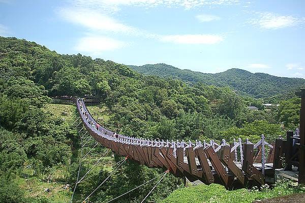 白石湖吊橋(龍骨吊橋)