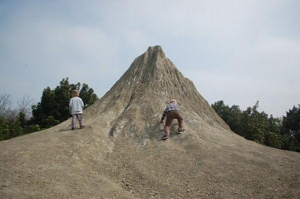 烏山頂泥火山, 燕巢