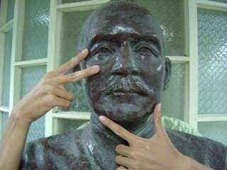 惡搞國父銅像5