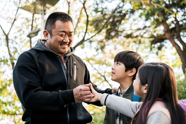 Movie, 챔피언(韓國) / 冠軍大叔(台) / 神臂大叔(港) / Champion(英文) / 冠军(網), 電影劇照