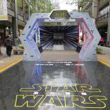 Movie, Star Wars: The Force Awakens(美國, 2015) / STAR WARS:原力覺醒(台灣) / 星球大战:原力觉醒(中國) / 星球大戰:原力覺醒(香港), 廣告看板, 信義新天地