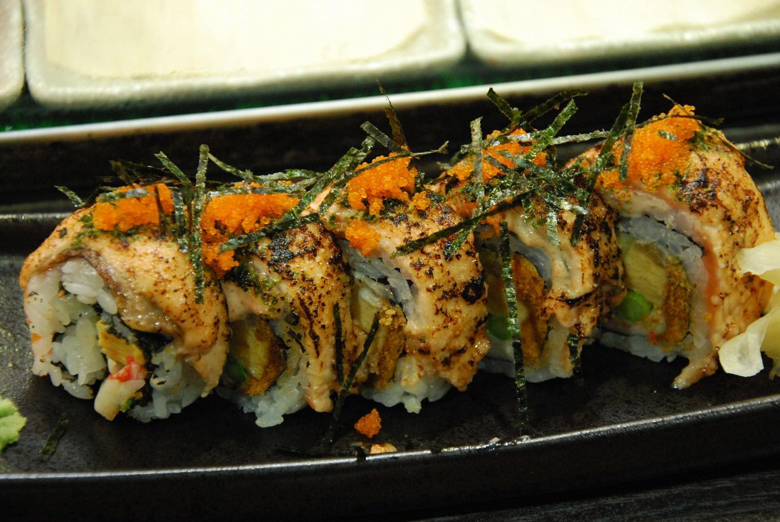 澄食小人屋, 餐點, 鮭魚毛毛蟲壽司