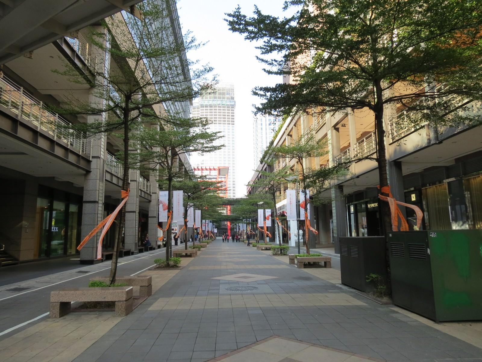 台北信義威秀影城, 周遭環境