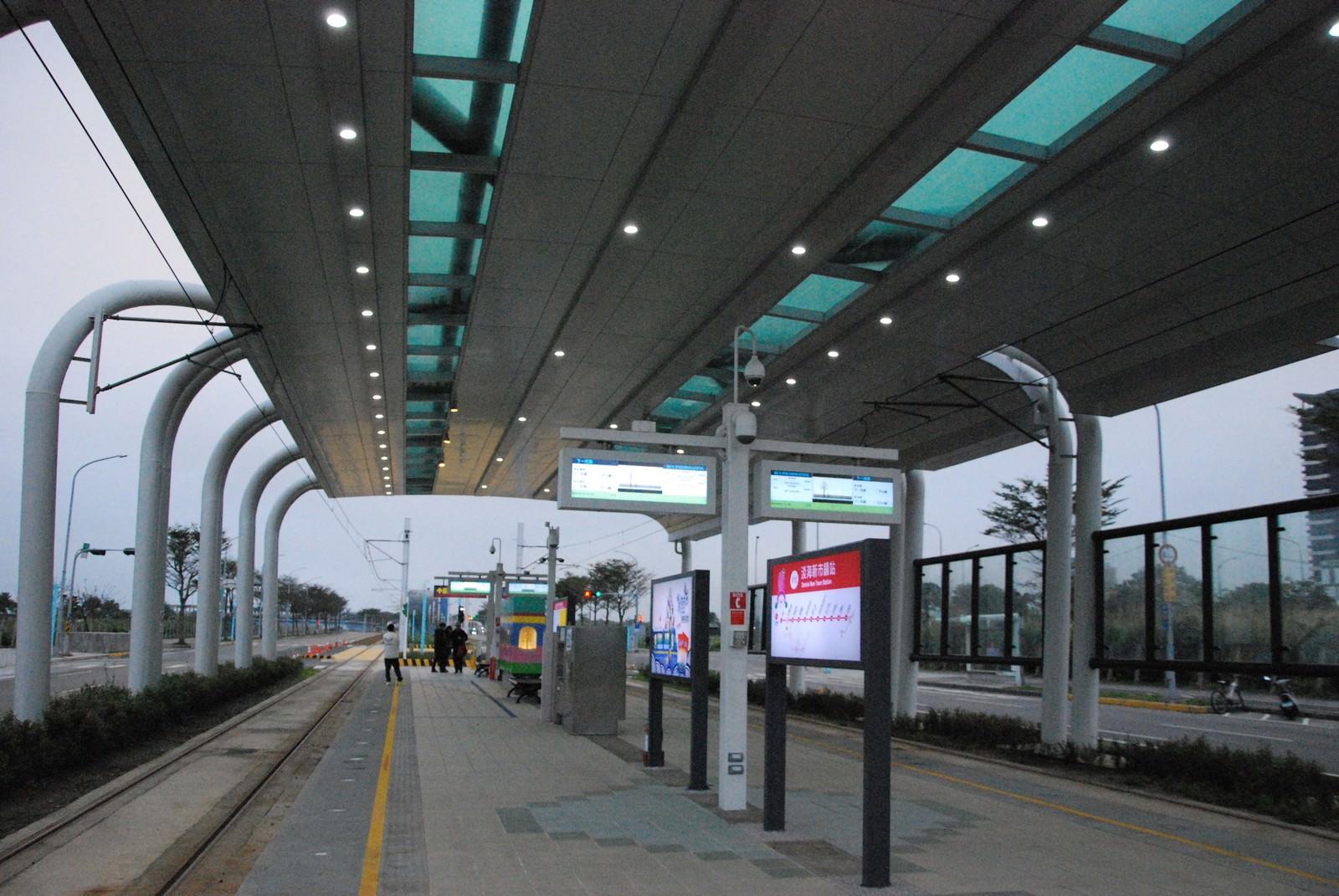 淡海輕軌綠山線, 輕軌淡海新市鎮站, 車站月台