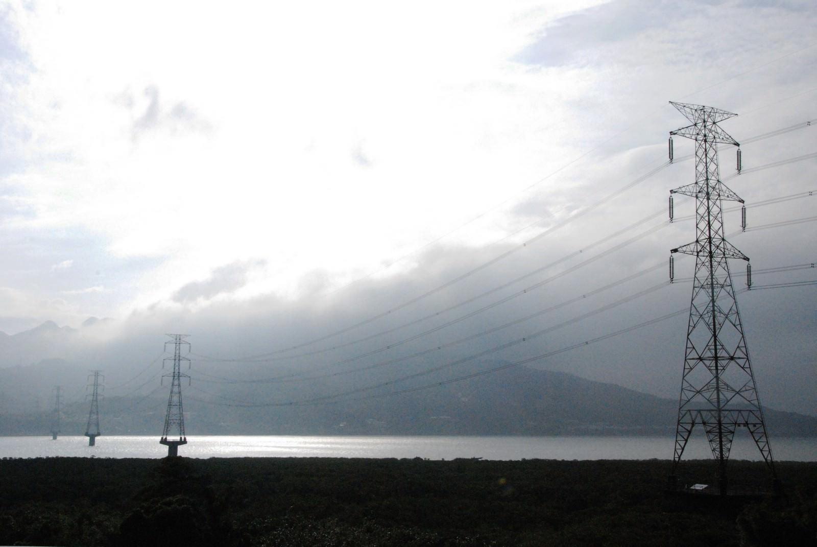 淡海輕軌綠山線, 輕軌紅樹林站, 周邊環境