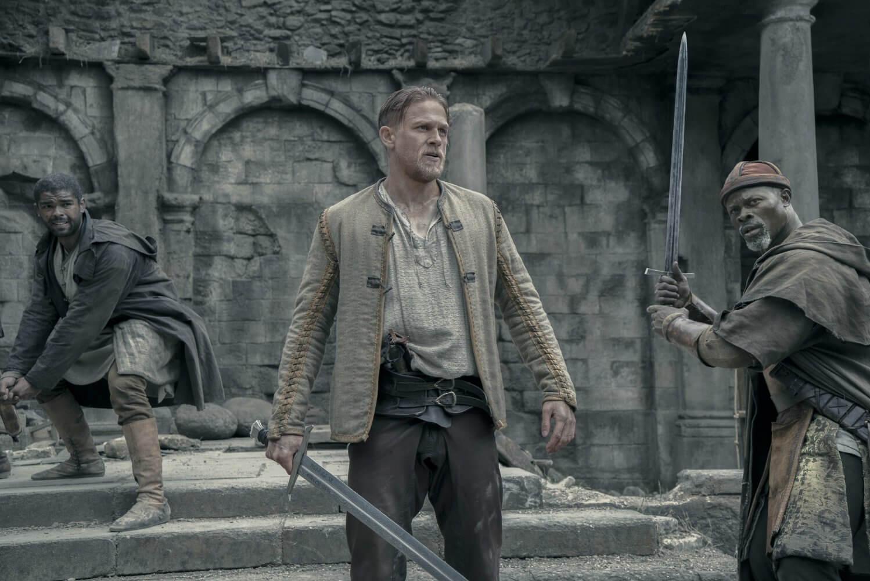 亞瑟:王者之劍,流行又時尚,但中二的亞瑟王┃影評