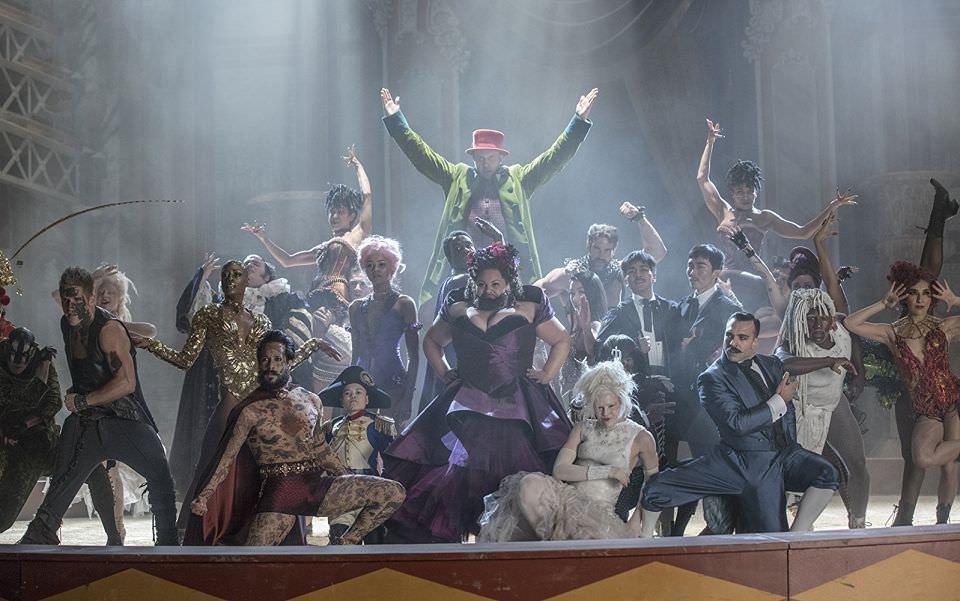用唱跳甩煩惱,盤點二十一世紀的經典歌舞片┃電影專題