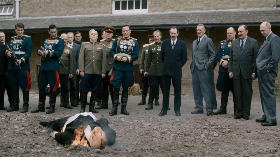 史達林死了沒?:瘋狂喜劇面具下的嚴肅指控!┃影評