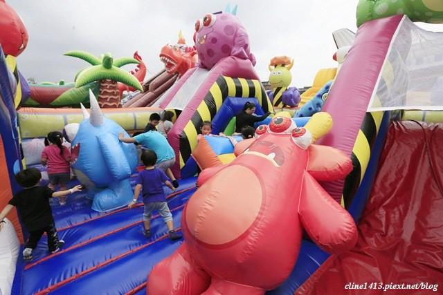 ▌親子景點▌瘋狂彈跳溜滑梯♥全世界最大巨無霸氣墊遊戲。太空基地時空奇航♥消耗小人電力好地方(網路優惠票價250元)