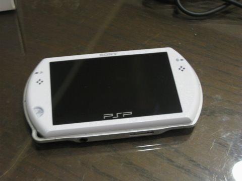 PSP Go本體