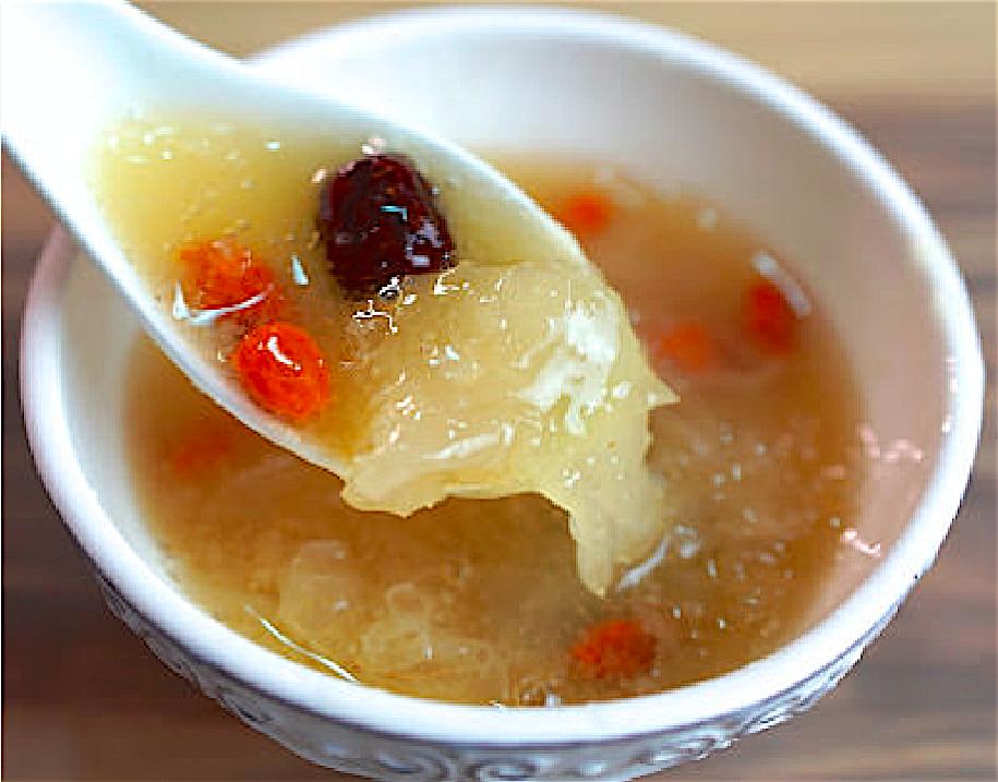 「平民燕窩 – 銀耳紅棗枸杞湯」超簡單養生美顏甜品,兩種做法教你一次學會!