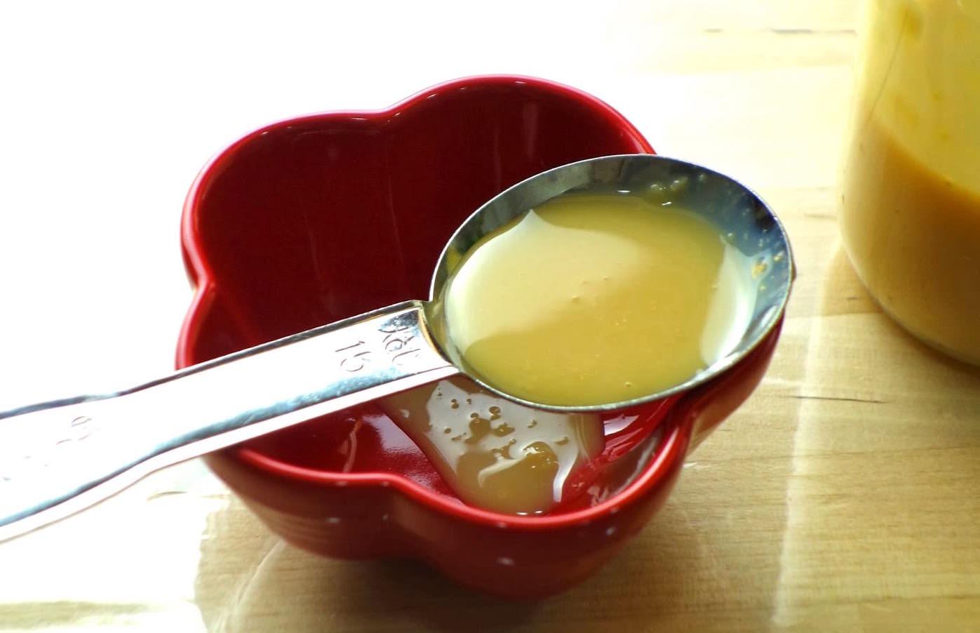「如何把喝不完的牛奶做成煉乳?」5分鐘教會你,微波爐就能做煉乳!